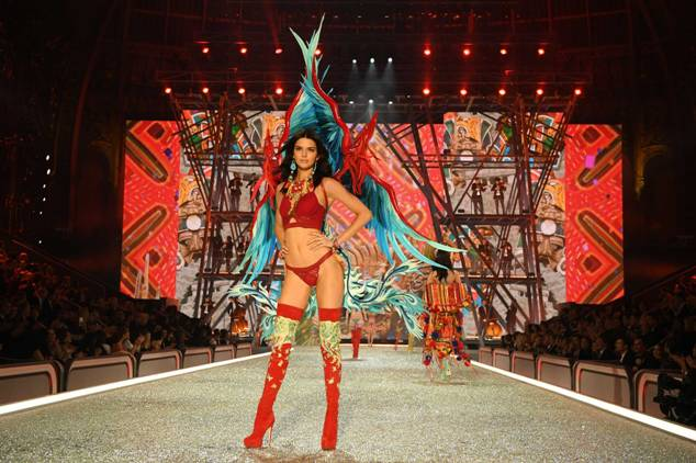 Kendall Jenner walks the runway during the 2016 Victoria's Secret Fashion Show.jpg