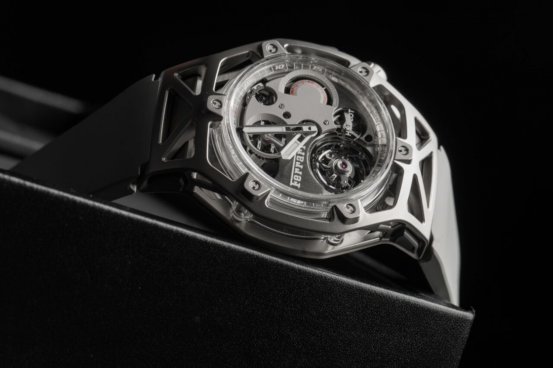 Hublot-Ferrari-Techframe-White-Gold-.jpeg
