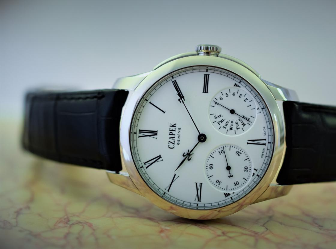 Czapek-Quai-des-Bergues-35-Platinum-limited-edition-engraved-4.jpg