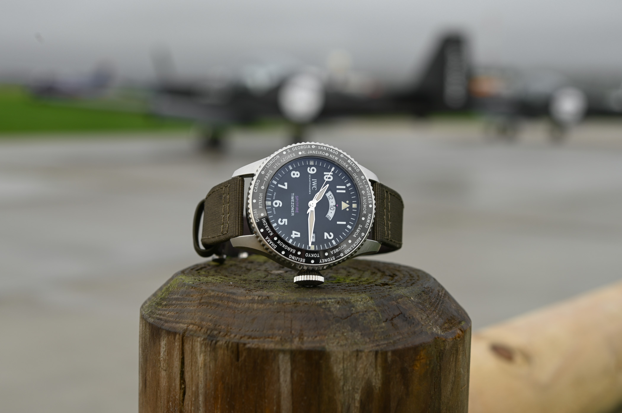 IWC-Pilots-Watch-Timezoner-Spitfire-Edition-The-Longest-Flight-IW395501-SIHH-2019-11.jpg